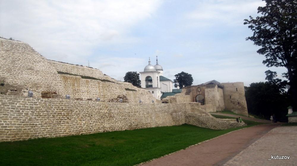 Изборск-стена-2