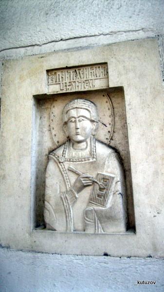 Храм-барельеф-3