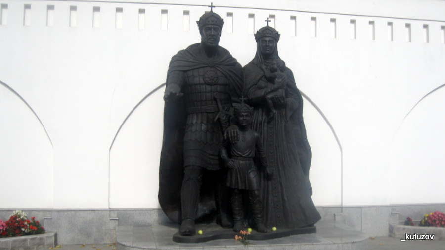 Церк-статуя