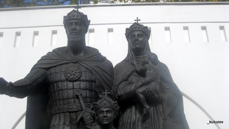 Церк-статуя-крупно