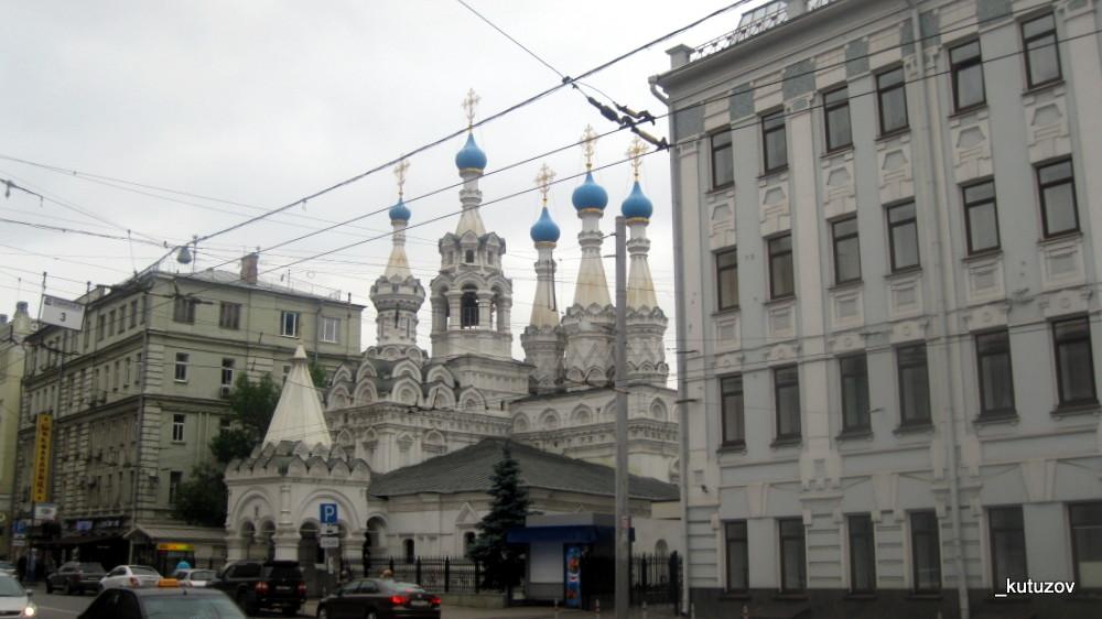 Храм у Ленкома
