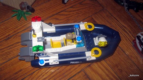Лего-катер