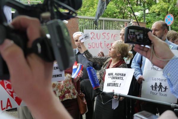 пикет у фр.посольства в Москве7