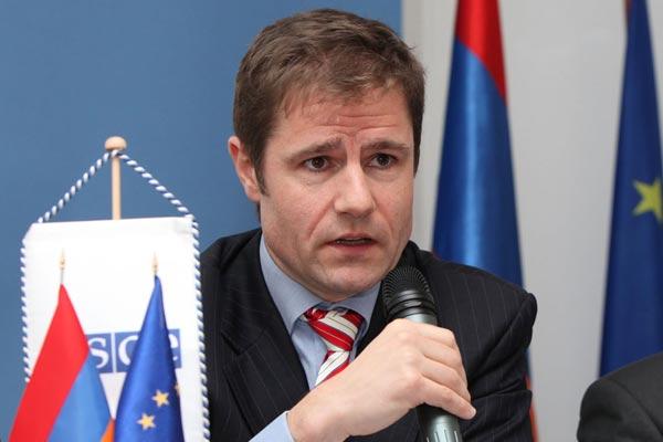 Carel-Hofstra-OSCE-yerevan-armenia.jpg