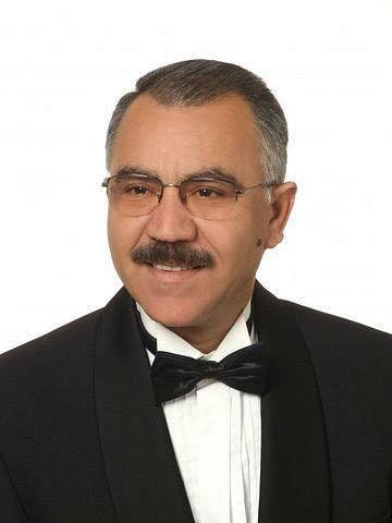 «Եվրոպայի Ադրբեջանի բարեկամներ»  ընկերության նախագահ,  Xudafərin  էլ. կայքի գլխավոր խմբագիր Էլման Մուստաֆազադեն