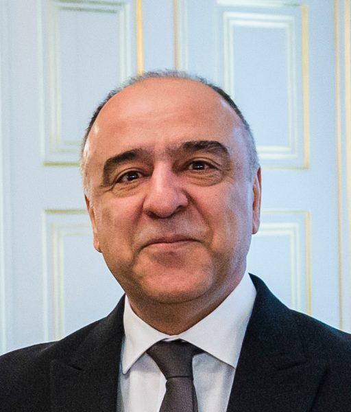 Fikrat Akhundov (1966) is sinds februari 2020 de ambassadeur van Azerbeidzjan in Nederland.
