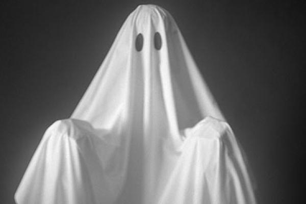fantome-pousse-femme-nest-lui-L-yR6dyA