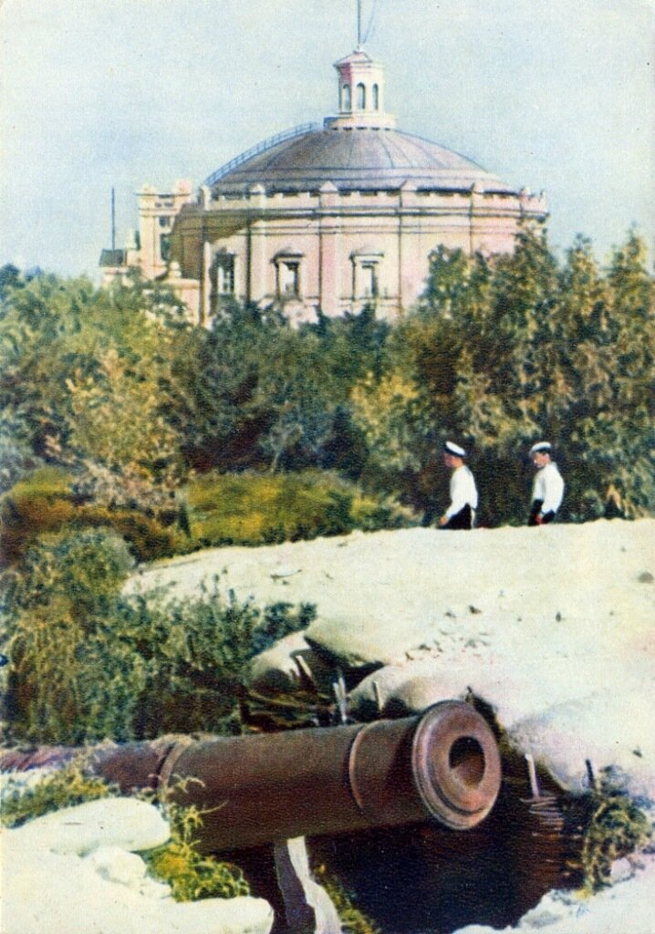 Севастополь Исторический бульвар и здание панорамы
