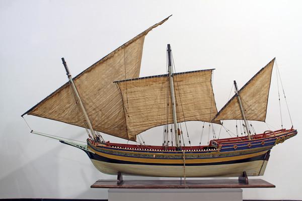 """Это модель шебеки, захваченной у французов в ходе блокирования Корфу в 1798 году. Шебека получила название """"Макарий"""". Модель хранится в Центральном Военно-Морском музее"""