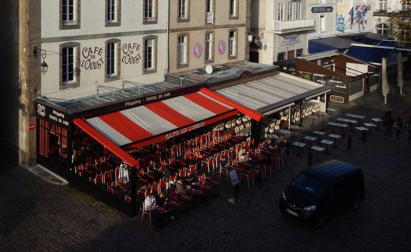 Saint-Malo. Утром в кафе.jpg