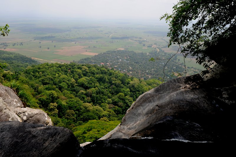 Udzungwa. Вид с вершины водопада.jpg