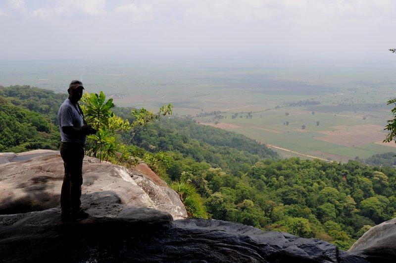 Udzungwa. На вершине водопада 2.jpg