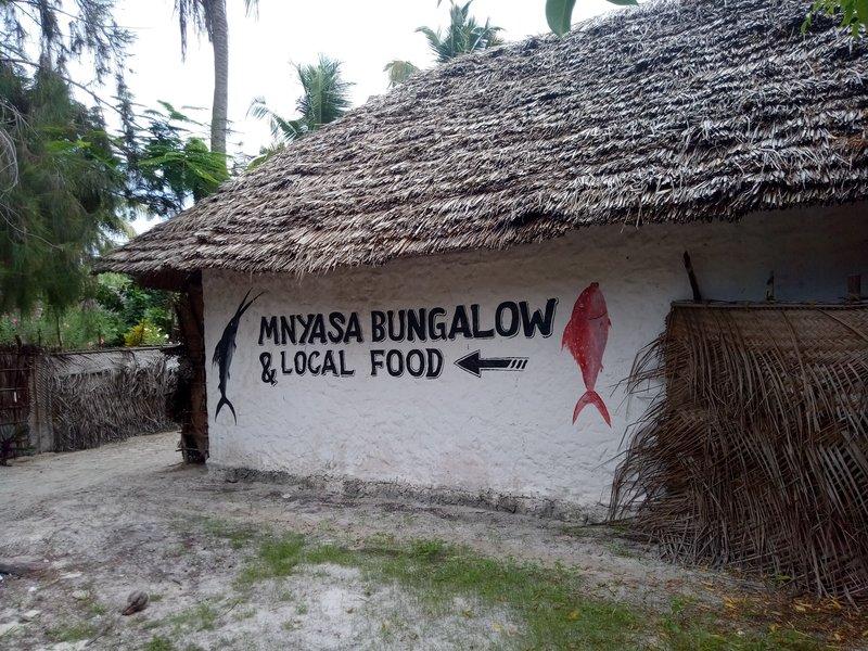 Бунгало. Кафе Mnyasa.jpg