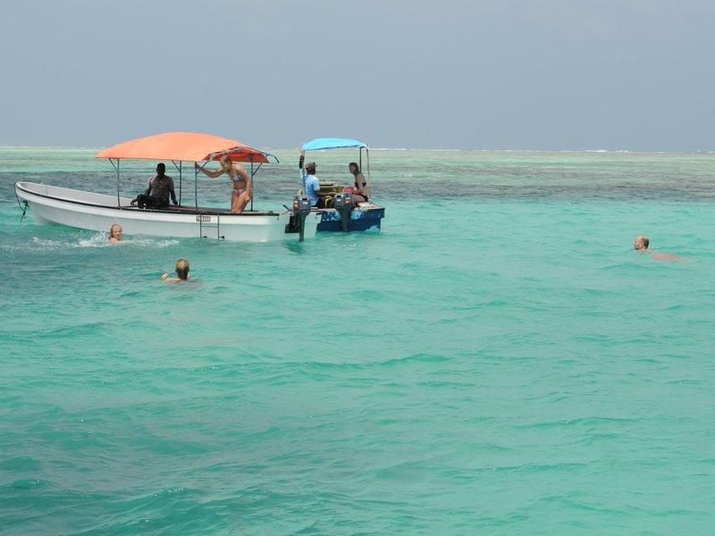 Сноркелинг в Blue Lagoon.jpg