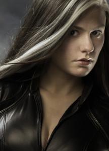 Белые пряди на чёрных волосах фото