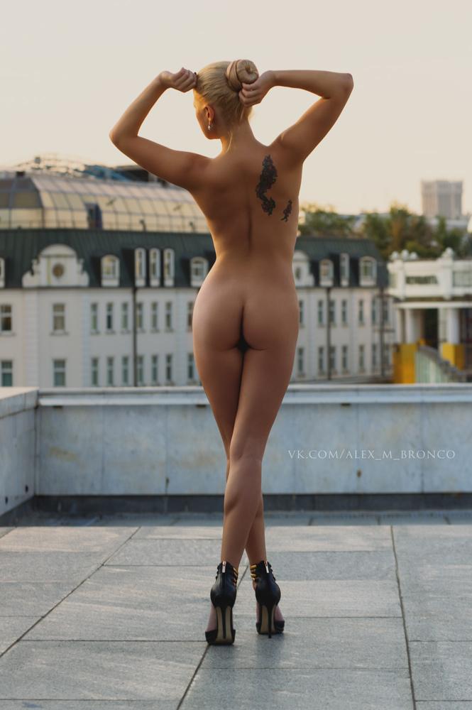 naked-bronco-xxx-pic-of-malika