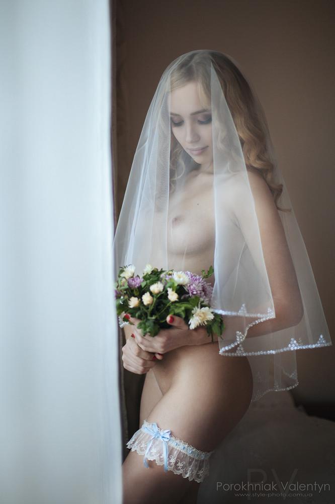 svadebnie-platya-erotik-seks-nachinayushih