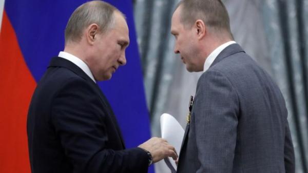 Актер прошептал Путину