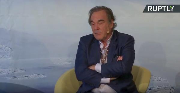 Любитель путина Оливер Стоун назвал фейковое видео в своём фильме «какой-то мелочью»,но остальное всё кино-сплошное враньё