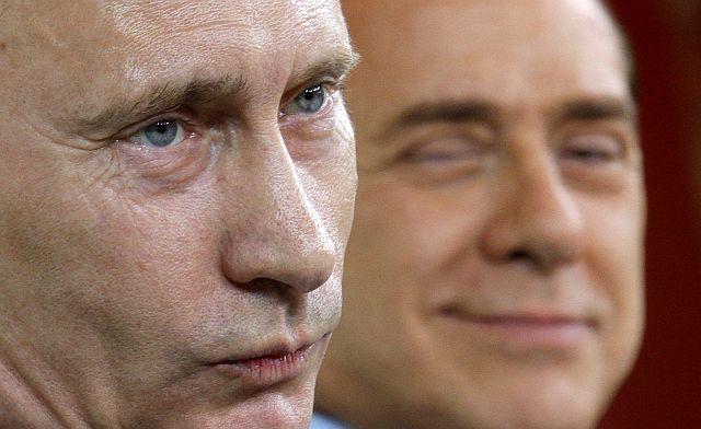 Страрый развратник и на Путина заглядывался