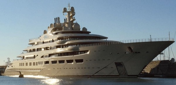 Лодка Усманова