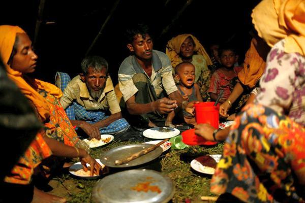 рохинджа обедают