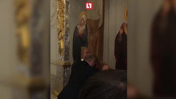 Путин ушёл в монастырь молиться за Мугабе