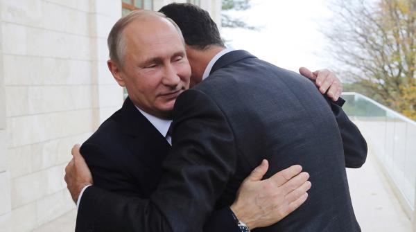 Путин обнимает Асада