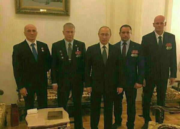 Путин и Вагнер (справа)