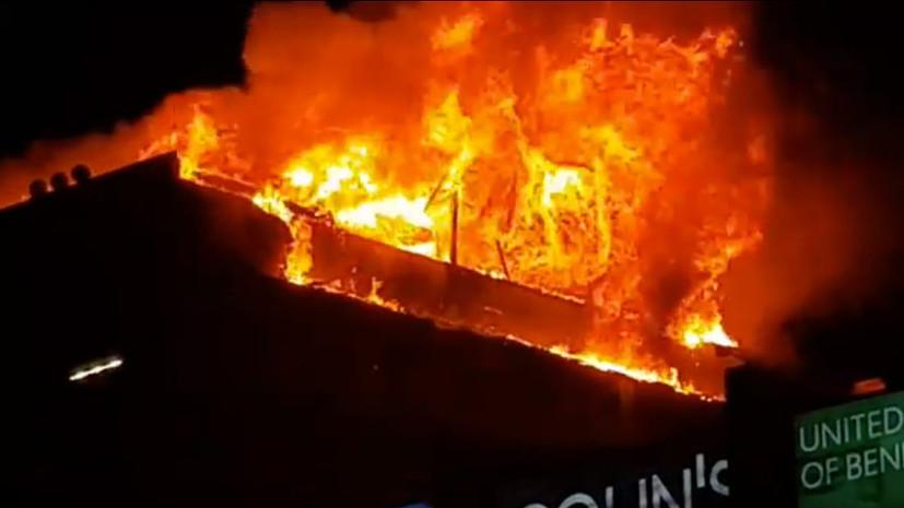 В Грозном горит крыша дома