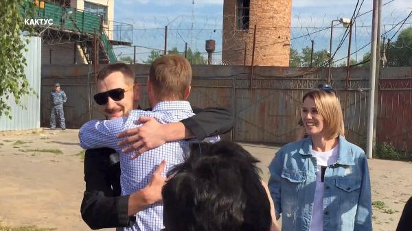 Олег Навальный на свободе