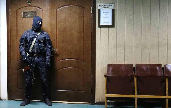 Украинские шпионы заполонили Россию. Товарищ, будь бдителен!