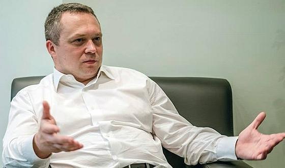 Жулик Костин