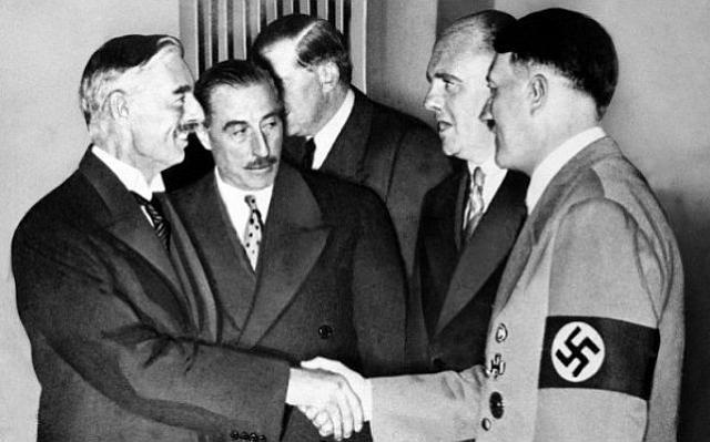 Чемберлен и Гитлер