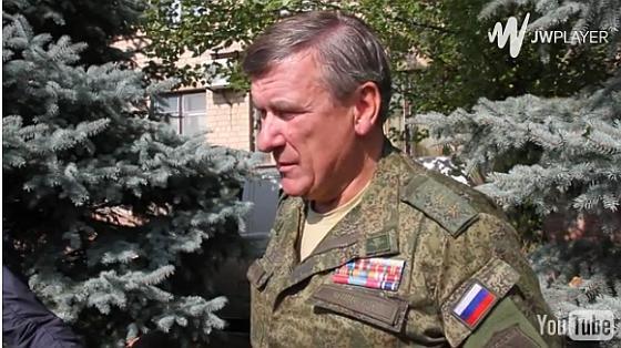 Путинский генерал на переговорах
