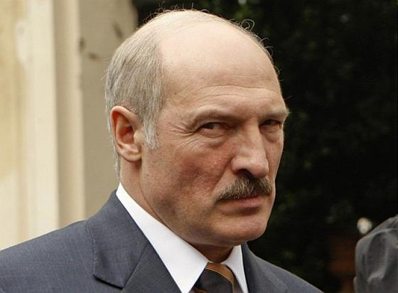 Лукашенко недоверяет