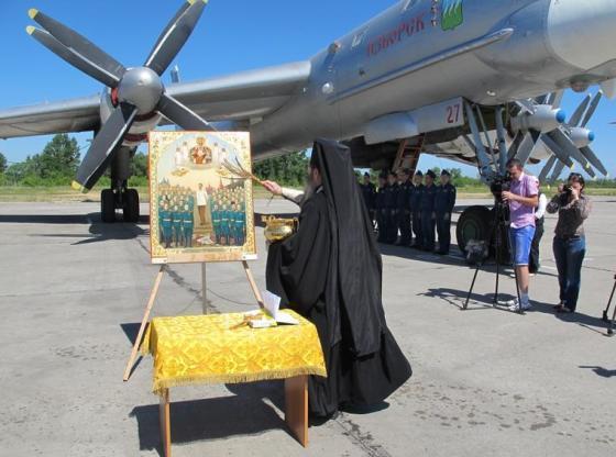 Освящение Ту-95 перед боевым вылетом