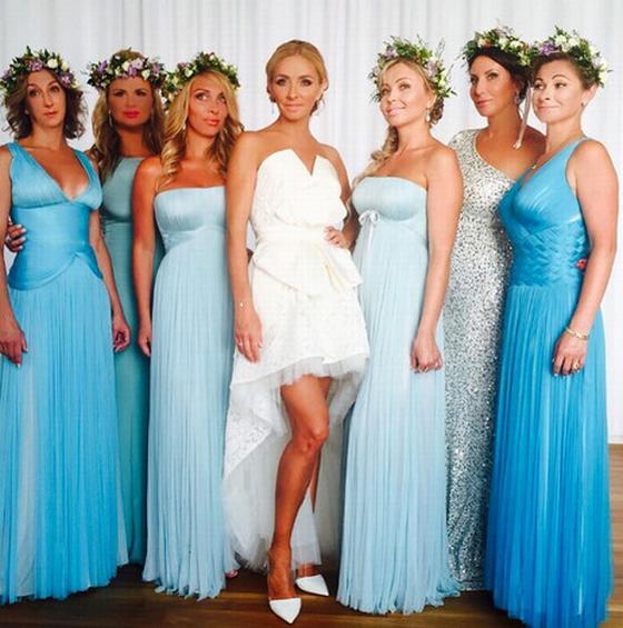 Боевой отряд подружек невесты в веночках