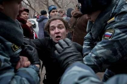 Удальцов празднует с арестами