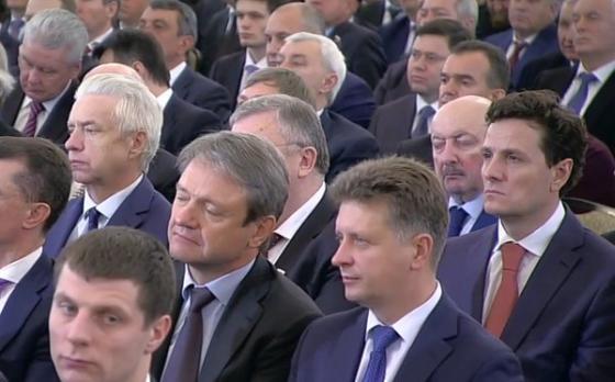 Ткачев мирно посапывает в окружении недремлющих офицеров ФСО