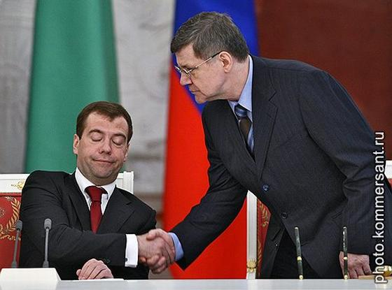 Медведев закрыл глаза на Чайку