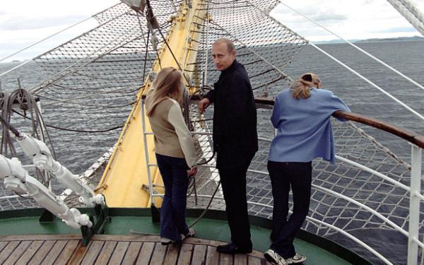 Путин с дочерми