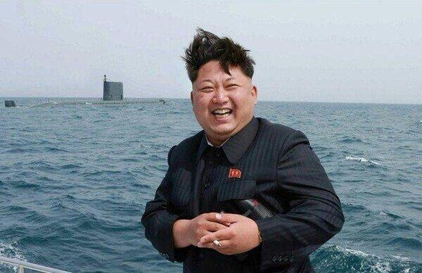 Ким Чен Ын доволен