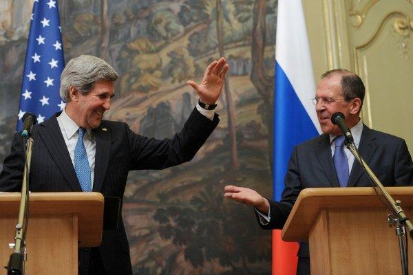 Лавров и Керри провели телефонные переговоры