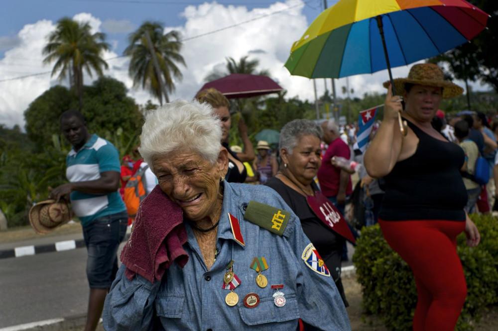 Куба хоронит коммунизм