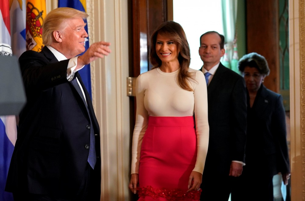 Идет ли этот наряд жене Трампа?