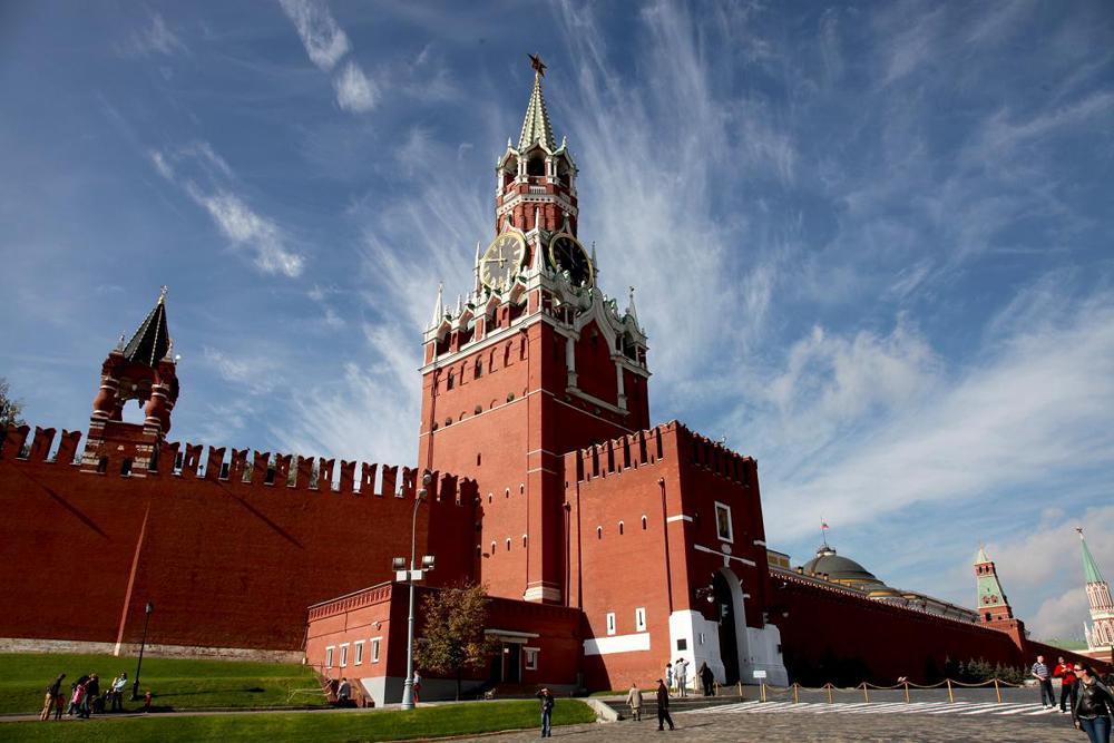 Встаем с диванов и на Кремль!