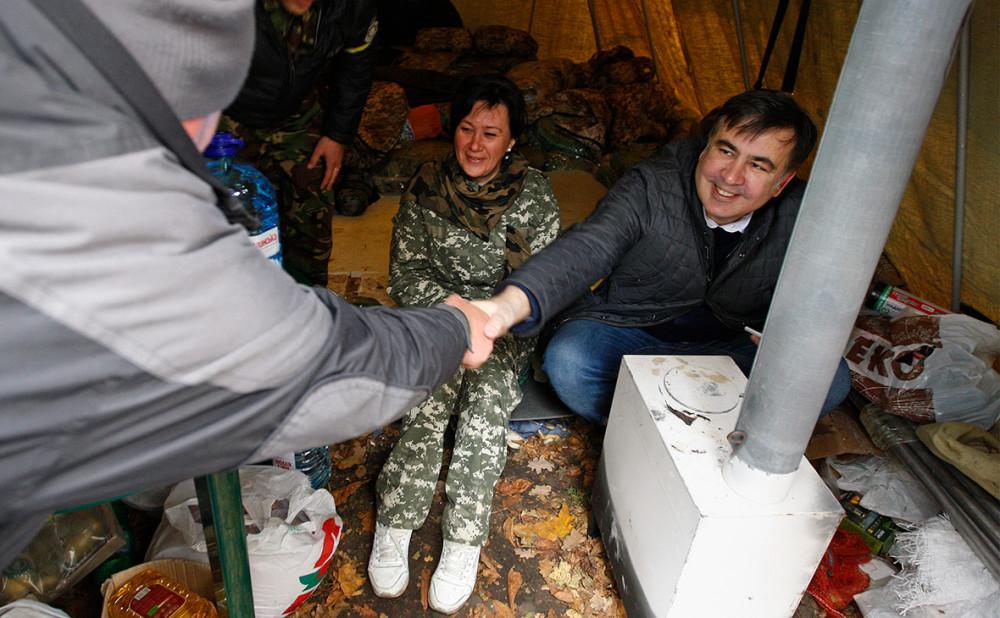 Экскурсия по новому дому Саакашвили