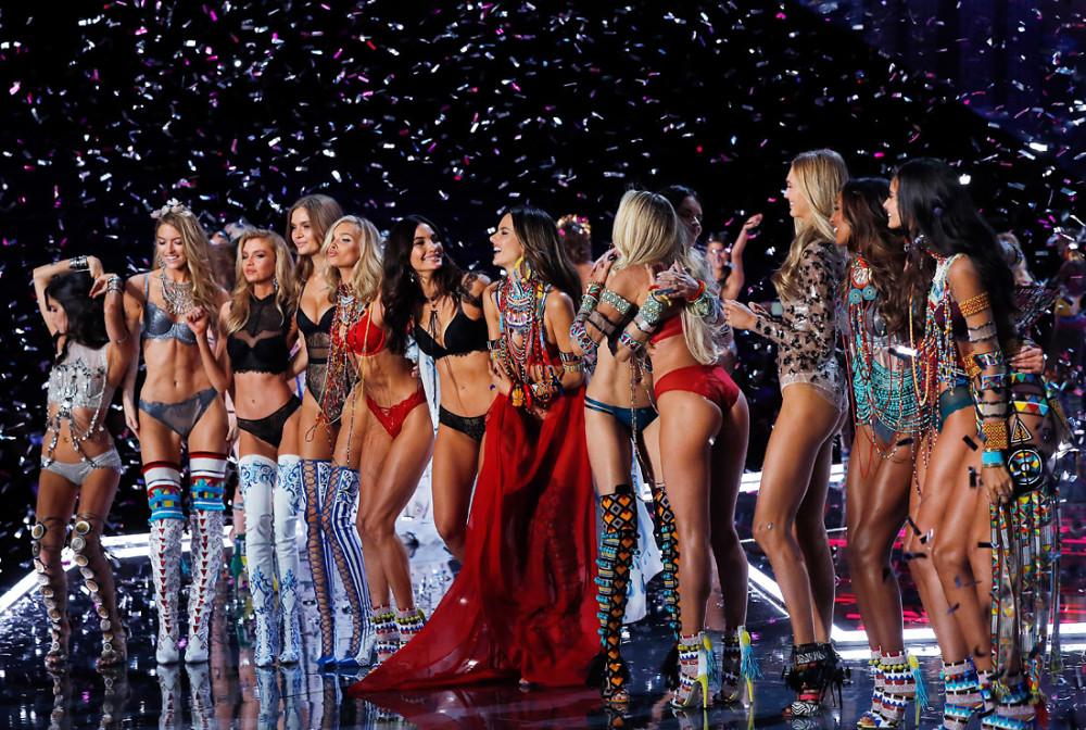 Самый скандальный показ Victoria's Secret