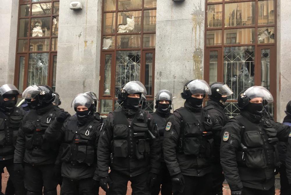 Массовые антироссийские погромы в Киеве!